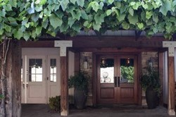 ZoomTravels-travel-best-niagara-wineries