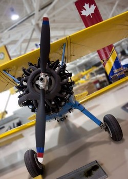 ZoomTravels-travel-hamilton-warplane-heritage-museum-family