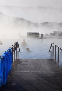 ZoomTravels-travel-iceland-spa-blue-lagoon